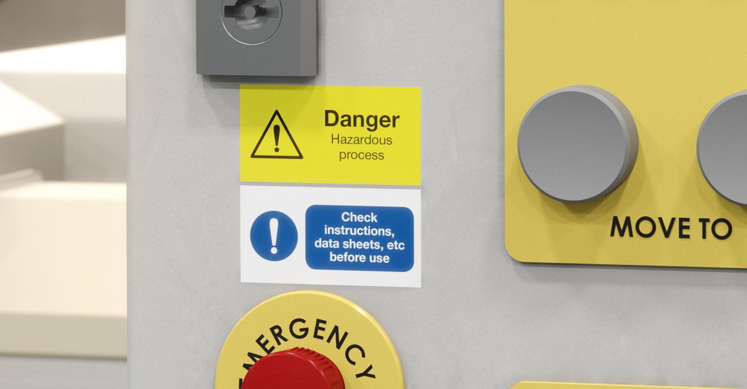 Etiquetas para alertar a perigos